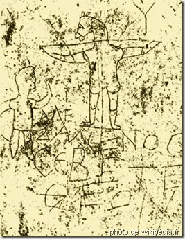Jesus_graffito-Rome, IIe siècle, un âne crucifié. Le commentaire Alexamenos adore son Dieu suggère que ce dessin raille un Romain converti au christianisme