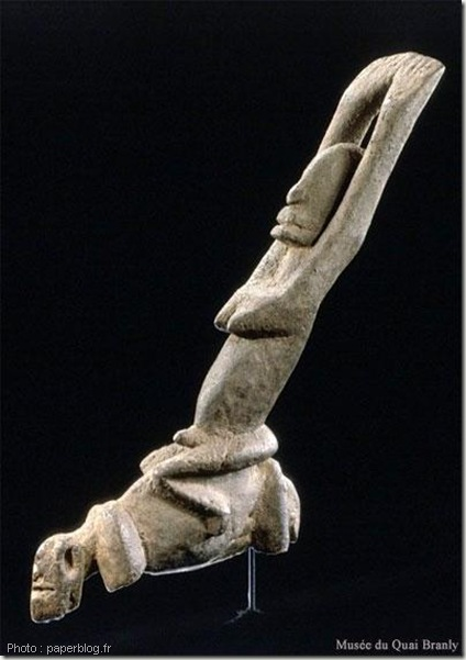 statue bras levée-sculpture art dogon