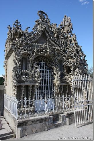 tombe du facteur cheval-hauterives-france-art brut-www.wonderful-art.fr