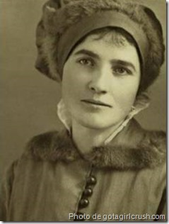 Louise Stella
