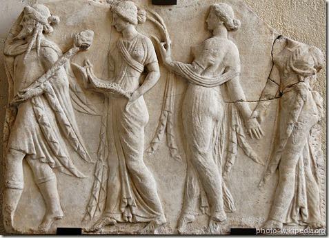 Dionysos et les Horae_Louvre