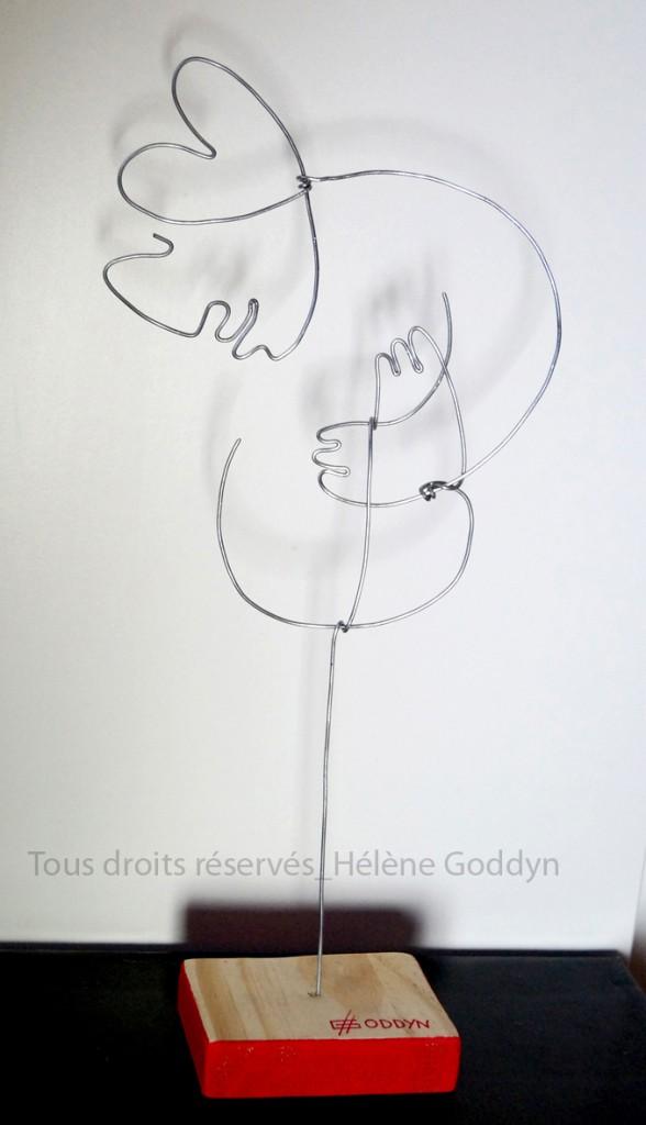 Scultpure-en-fil-de-fer_au-fil-de-la-vie-pour-en-tracer-l-essentiel_Bienveillance_goddyn-helene